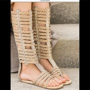 GLADIATOR SANDALS TAN & GOLD SZ 3 YOUTH JOYFOLIE